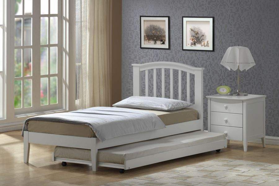 Small Bedroom Bed with Trundle 900 x 601